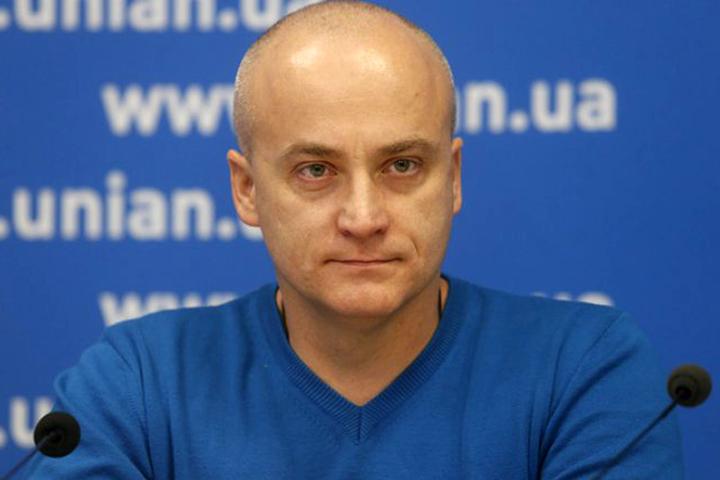 Денисенко взале Рады попросил пересадить Савченко надругое кресло