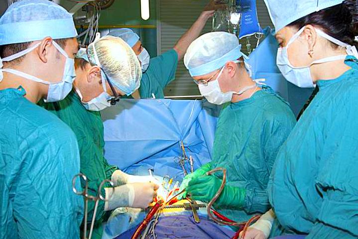 ВКраснодаре кардиохирурги спасли жизнь мужчине средкой опухолью сердца