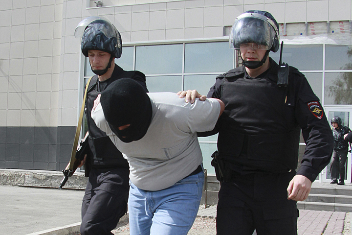 Вооруженные налетчики ограбили ювелирный магазин навостоке столицы