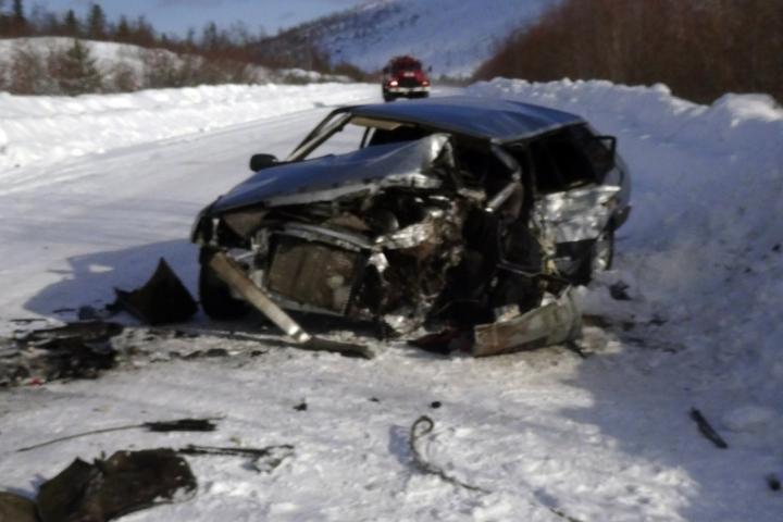 Шофёр  ВАЗа умер  после лобового столкновения сКаМАЗом вБодайбинском районе