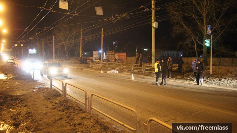 Шофёр машины ВАЗ насмерть сбил женщину, переходившую дорогу назеленый свет