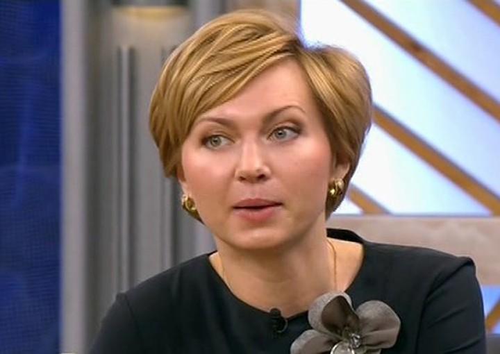 Погибла ехавшая в лифте 36-летняя Ирина Володина, дочь известного телеведущего Евгения Кочергина Фото: Первый канал