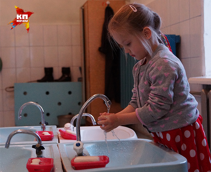 Старайтесь почаще мыть руки с мылом, не давайте вирусам лишний шанс. Фото: Алексей БУЛАТОВ