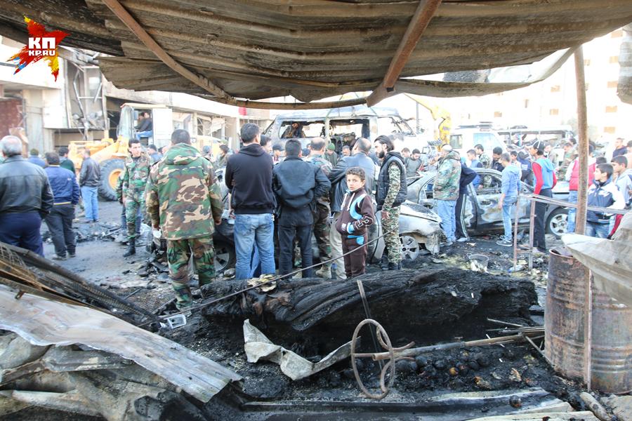 Один смертник, одетый в форму сирийской армии, зашел в автобус, в котором сидели солдаты, и подорвал себя Фото: Александр КОЦ, Дмитрий СТЕШИН