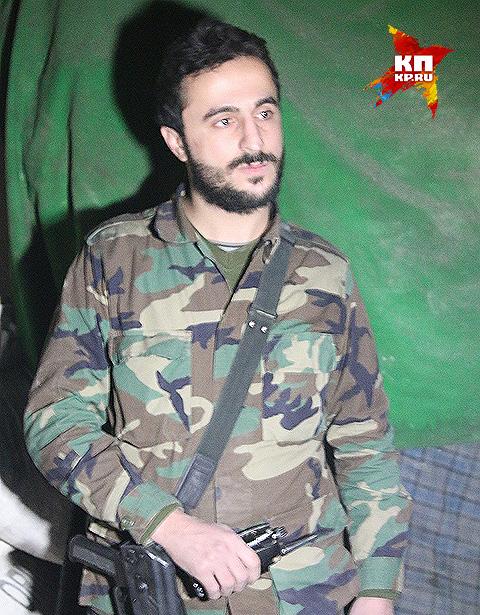 """Старший лейтенант сирийской армии Хусейн Незрак: """"Тяжело будет с ними помириться. Я считаю, что каждый, кто воевал против армии, должен получить заслуженное наказание."""" Фото: Александр КОЦ, Дмитрий СТЕШИН"""