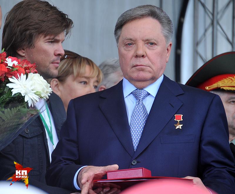 В феврале 2000-го генерал-полковник, Герой Советского Союза Борис Громов выиграл выборы в Московской области Фото: Сергей ШАХИДЖАНЯН