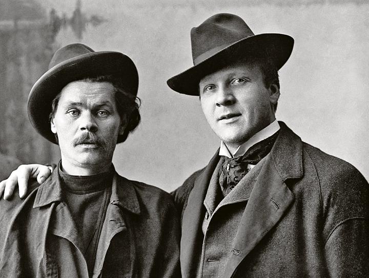 «Максим Горький (слева) и Федор Шаляпин. Нижний Новгород. 1 января 1902 г.» Фото: ТАСС