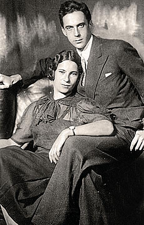 Детский поэт Павел Барто был женат на Агнии Воловой совсем недолго. Увы, не он, а бывшая жена, оставившая себе эту красивую фамилию, и прославила ее. Фото: семейный архив А. Барто