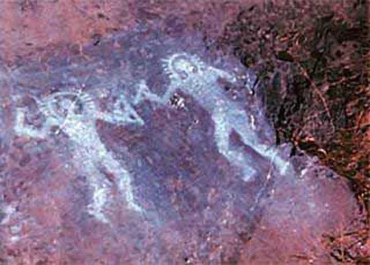 Инопланетяне из итальянской наскальной живописи.
