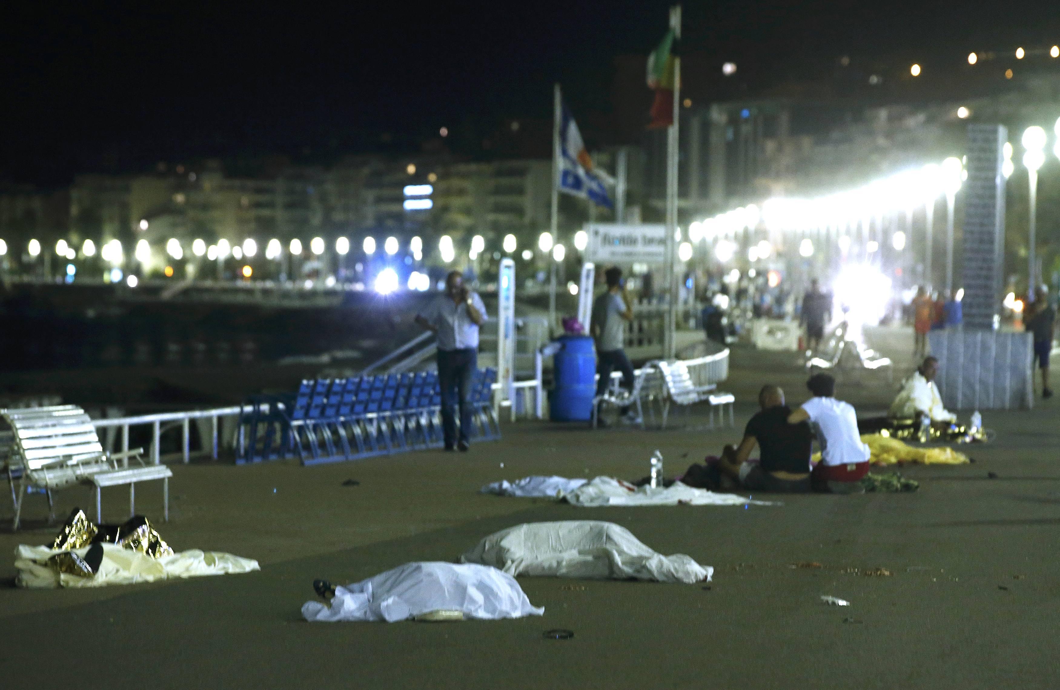 Теракт вНицце: Олланд готовит ответ террористам