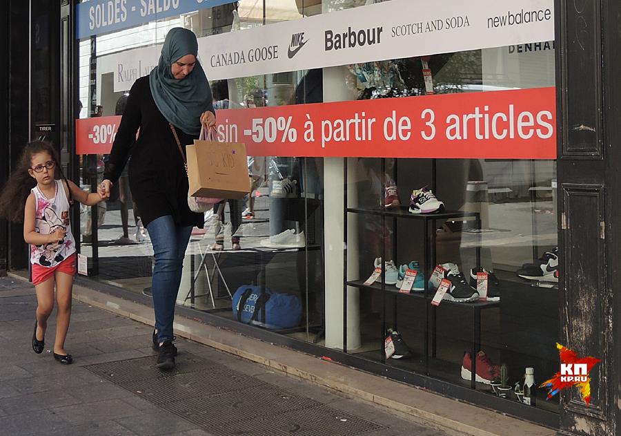 Вообще, чрезвычайно трудно отобрать вид на жительство у любого мусульманина Фото: Дарья АСЛАМОВА