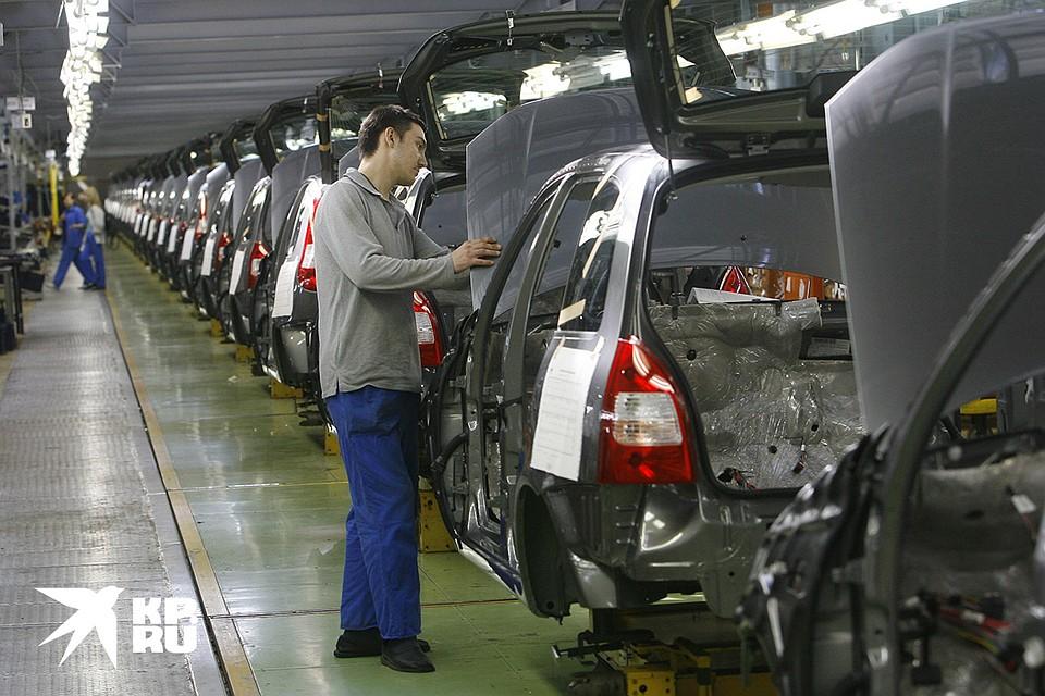Факт, что некоторые автозаводы возвращаются к нормальной работе не означает, что многие пойдут покупать машины. Фото: Владимир ВЕЛЕНГУРИН