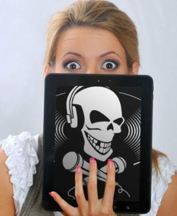 - Ой, неужели и любимый iPad отберут? Фото: Евгения ГУСЕВА