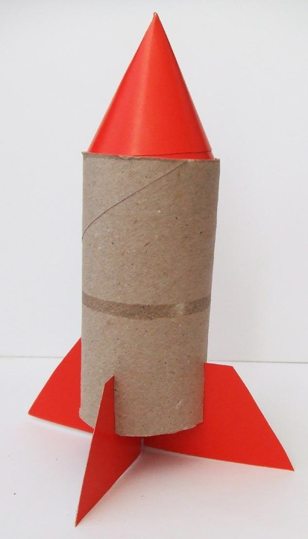 Ракета из втулки от туалетной бумаги своими руками для детей
