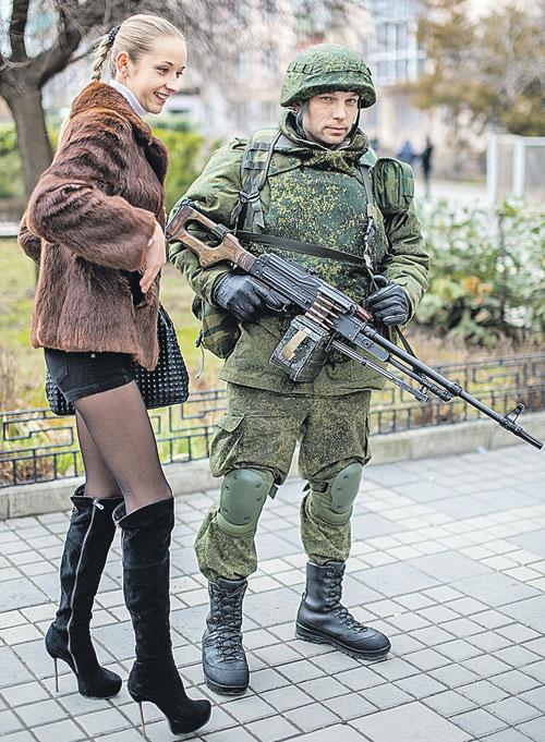 Крымчане обрадовались решению России защитить русскоязычное население. Фото: РИА Новости