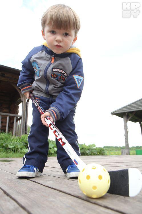 Джаггер Грабовский будто родился с клюшкой! Фото: Виктор ГИЛИЦКИЙ