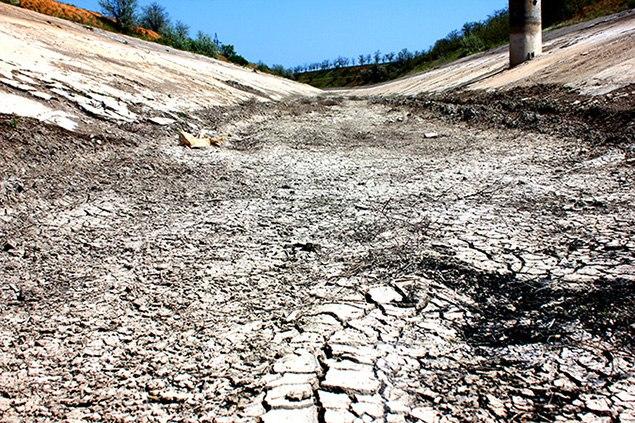 Северо-Крымский на полуострове пустует без воды уже порядка месяца. Фото: Алексей ГАЙДУКОВ
