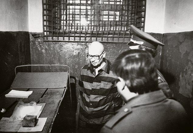 Самый известный маньяк в СССР Андрей Чикатило в своей камере смертника. Фото: Музей ГУ МВД России.