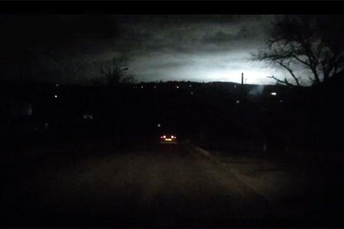 Вопрос, что же наблюдали ставропольцы в ночном небе в ночь на 17 марта 2015 года, остается открытым. Фото - скрин видео в группе https://vk.com/26stav