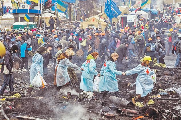 Украинское общество на майдане заразилось серьезным антироссийским вирусом, вылечить который одним уколом вряд ли возможно. Фото: Максим ЛЮКОВ/«КП» - Киев
