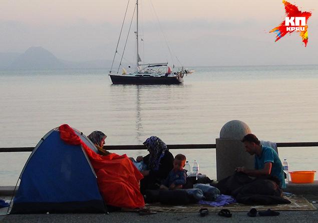 Наш корреспондент наблюдал, как беженцы превращаются в европейцев Фото: Владимир ДЕМЧЕНКО