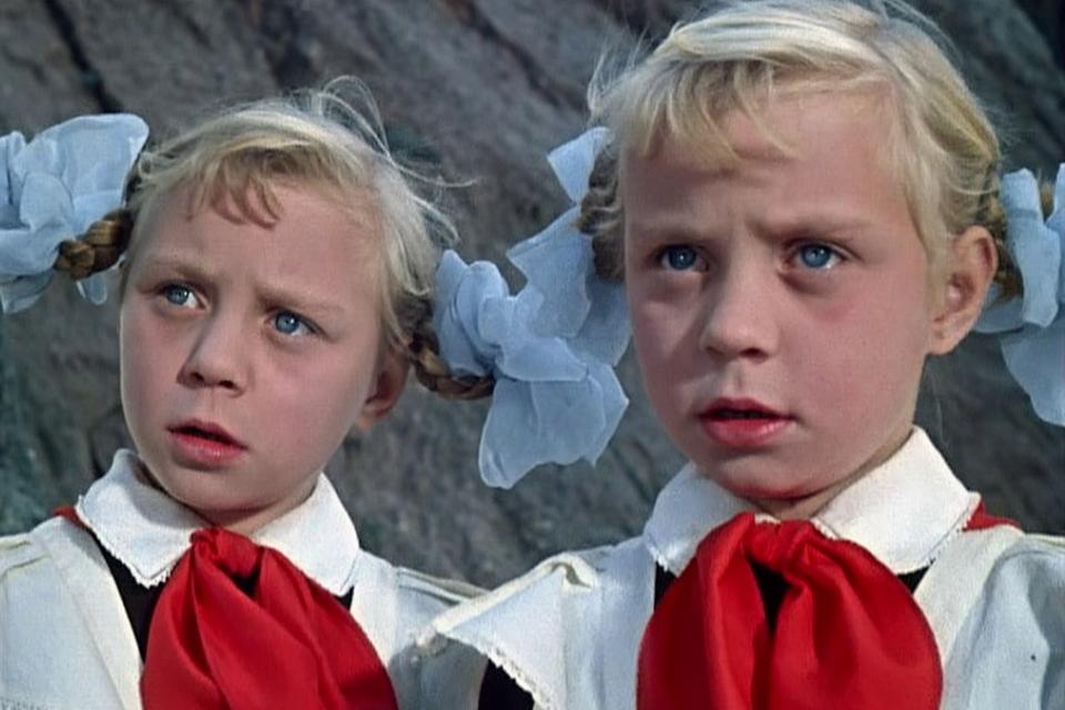 Оля и Яло: что случилось с сестрами Юкиными из «Королевства кривых зеркал»