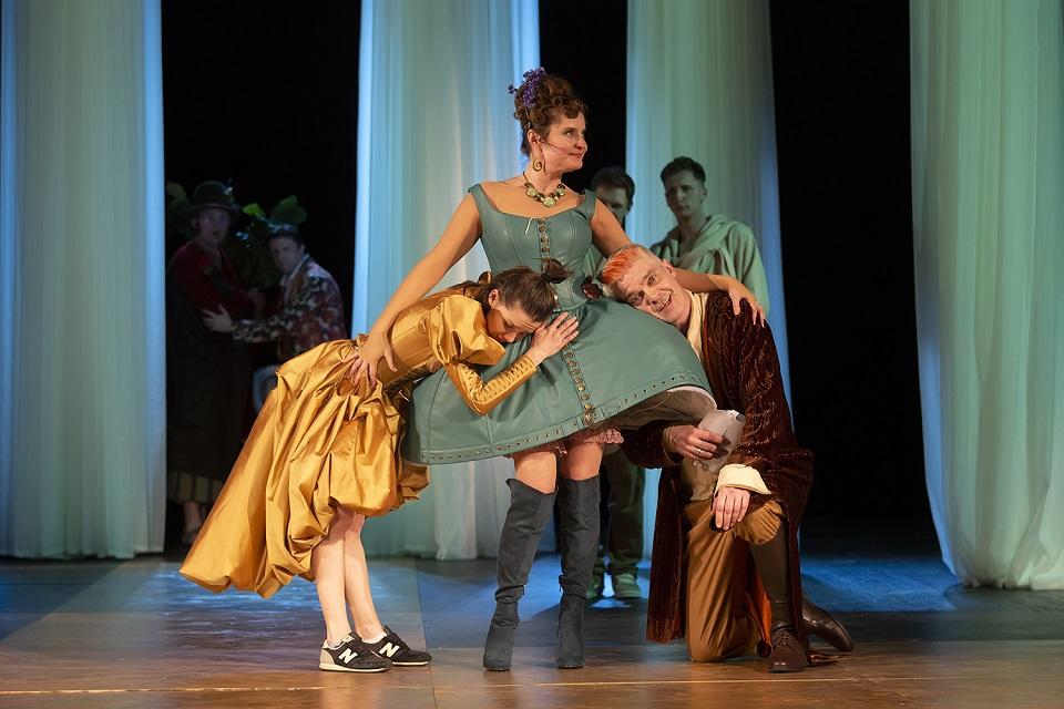 Вакцина от депрессии: Театр «На Литейном» выпускает «Женитьбу Фигаро»