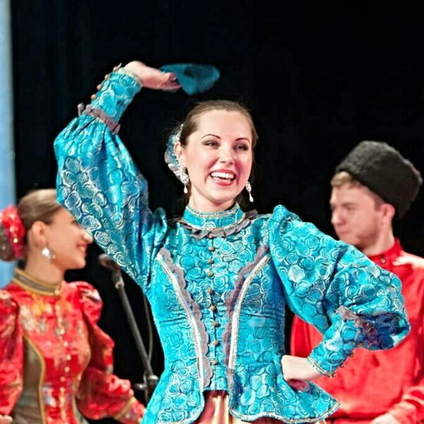Концерт казачьего ансамбля «Атаман» с праздничной программой «На службе России»