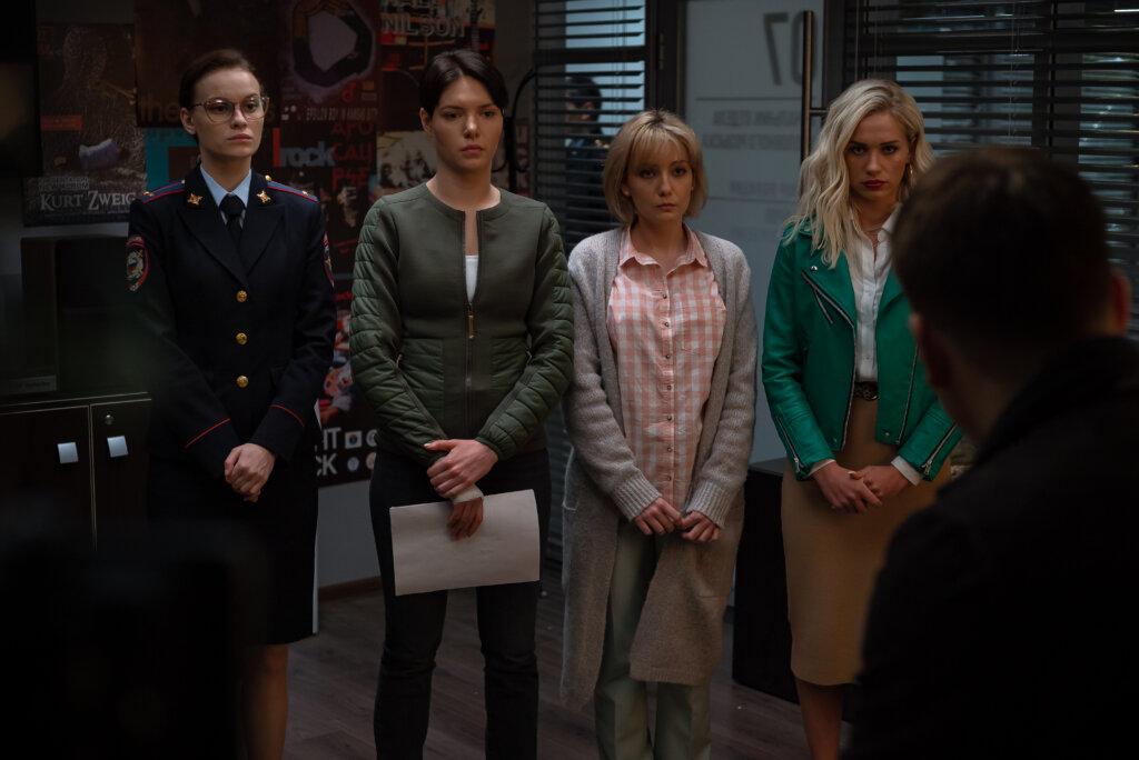 ТНТ покажет новый комедийный сериал «Девушки с Макаровым»