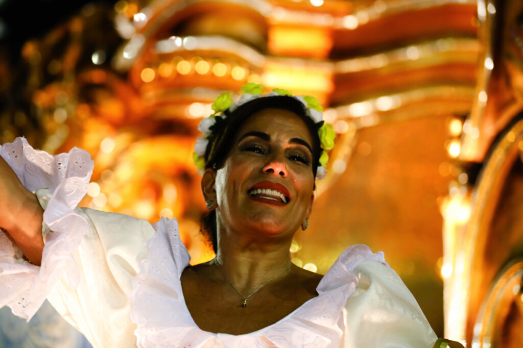 Работа в массовках, неудачное замужество и четверо детей: как сейчас живет звезда сериала «Секрет Тропиканки» Глория Пирес