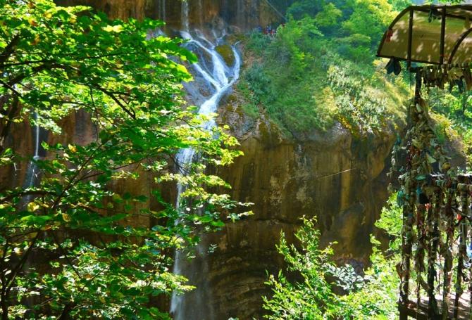 chegemskie-vodopady-1220-670x455.jpg