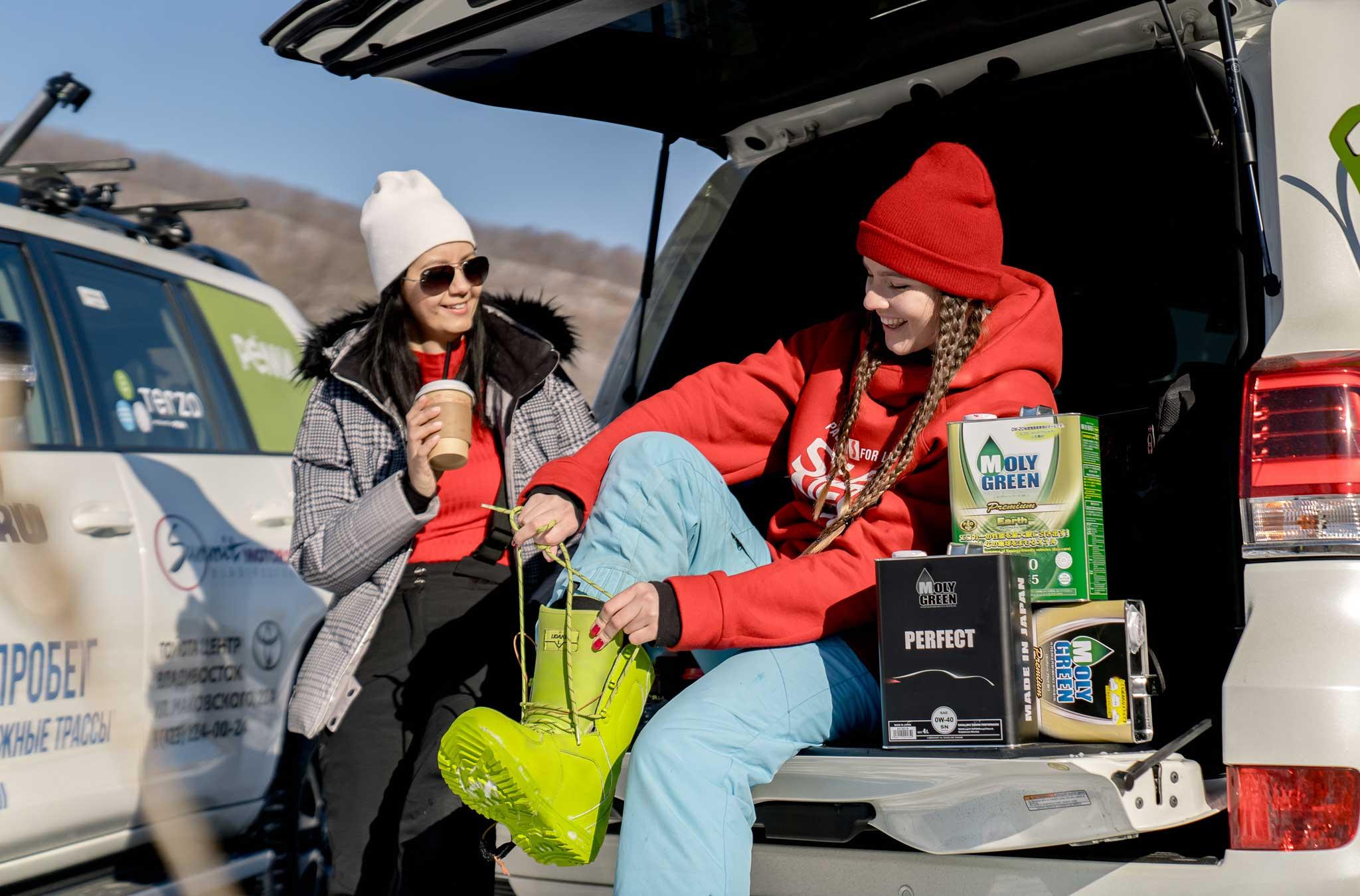 Каждый день в инстаграм-аккаунте dvkp.ru мы разыгрывали подарки от генерального партнера автопробега. На этот раз призовой фонд составил 24 литра моторного масла из Японии  MOLYGREEN.