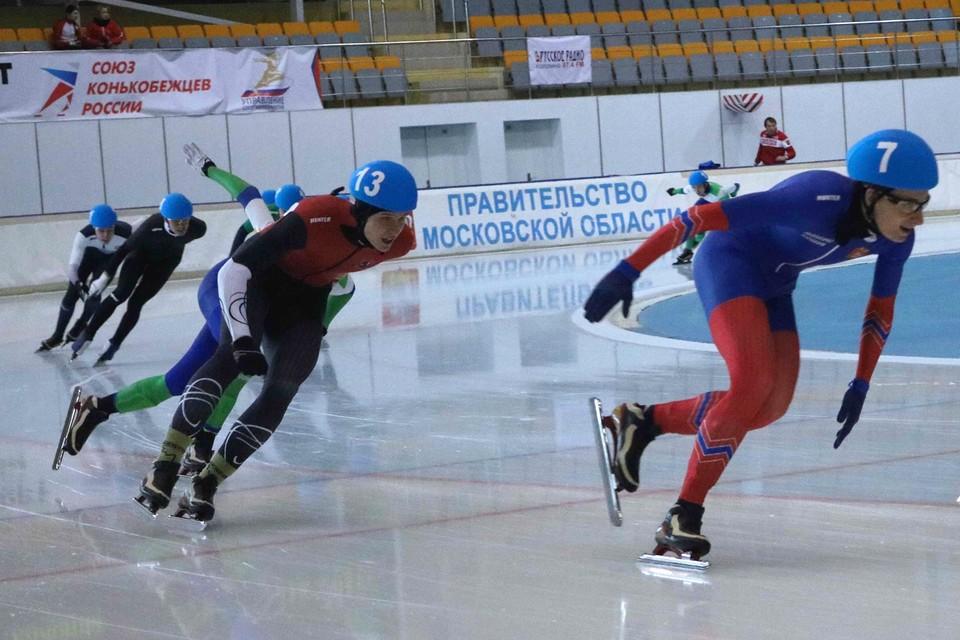В масс-старте у юношей победил москвич Александр Романов. Фото: Игорь ЗЕТИЛОВ