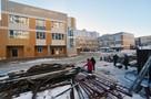 Как пустырь в школу в Новосибирске превратили...