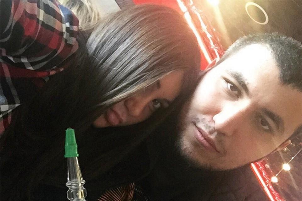 Кроме того, Мурад знаменит и своей знаменитой подругой Марой Багдасарян