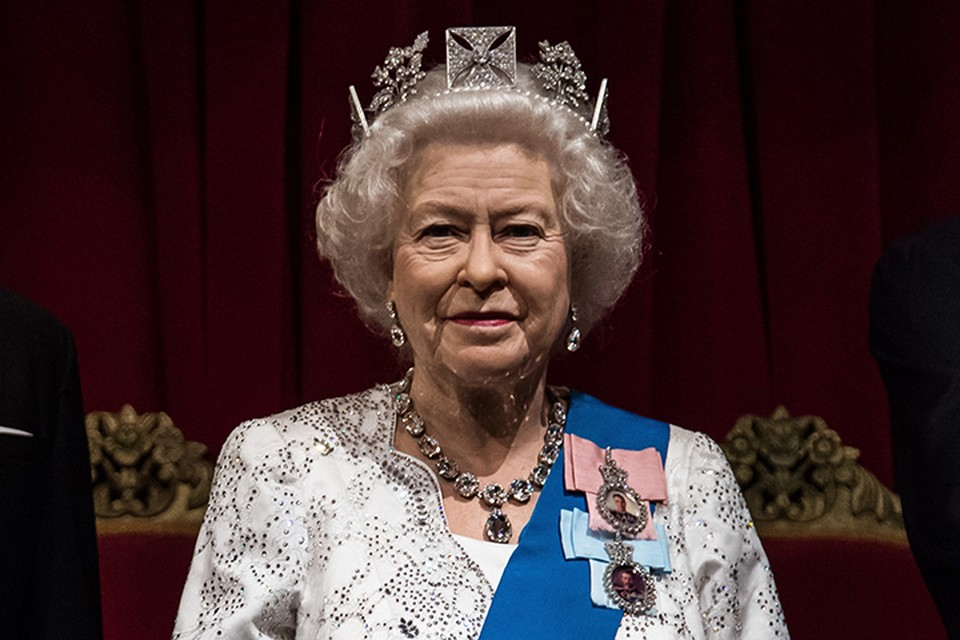 Британская королева правила и будет править до тех пор, пока её тень не присоединится к теням её предков в Вестминстерском аббатстве