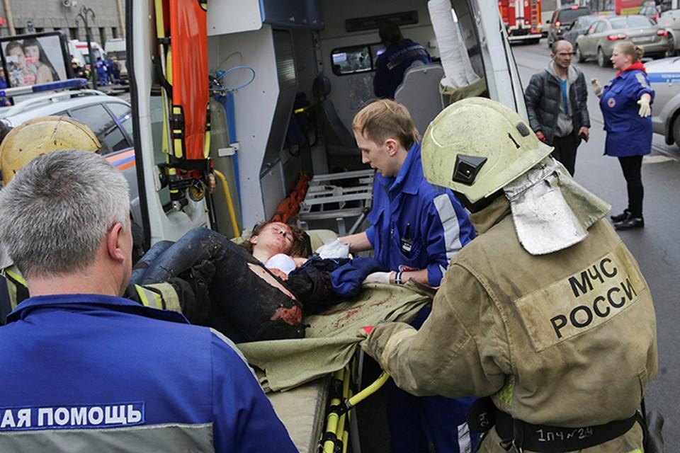 «Мы соболезнуем каждой семье и каждому пассажиру, которого коснулась такая трагедия», - эта трогательная запись появилась на странице Киевского метрополитена в Фейсбуке