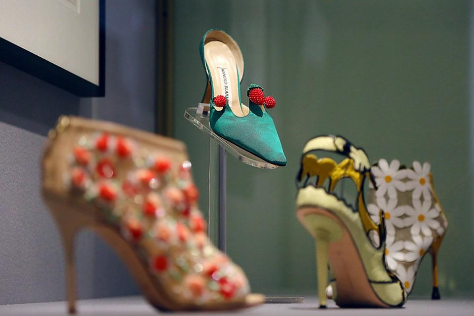 f0ffb4e5f В Эрмитаже открылась выставка звездного дизайнера обуви Маноло Бланика