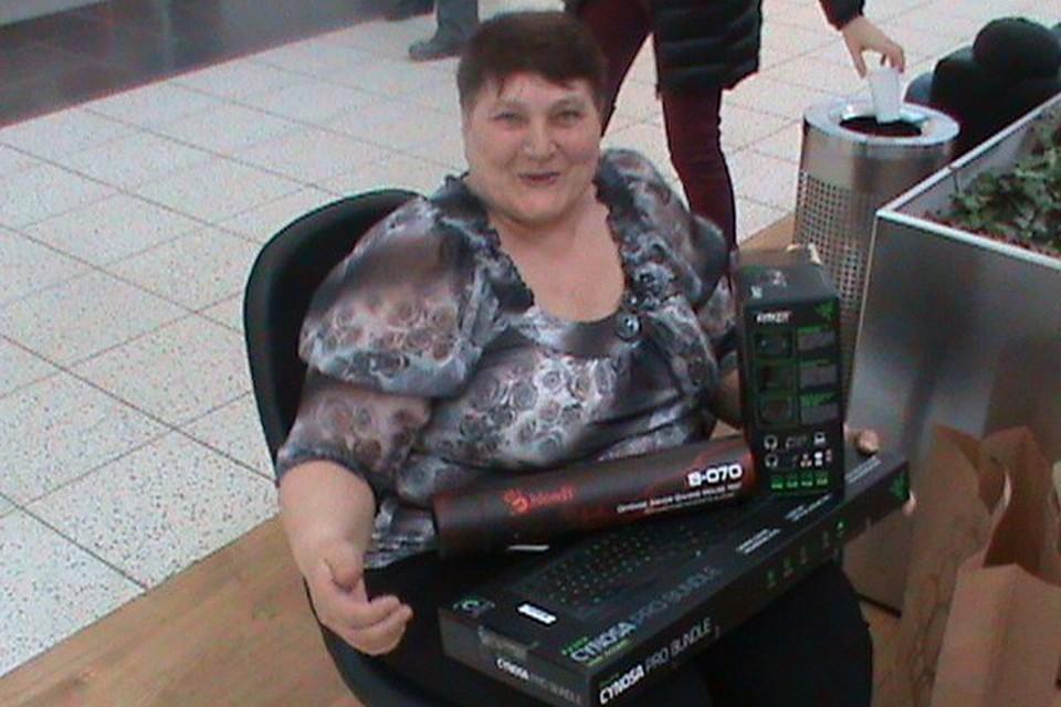Получив деньги от спонсоров, пенсионерка прикупила необходимую технику.