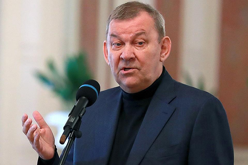 Серебренников прокомментировал перенос балета «Нуреев» в огромном