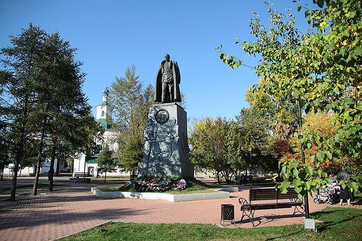 Суд не принял иск иркутского адвоката с требованием о сносе памятника Колчаку