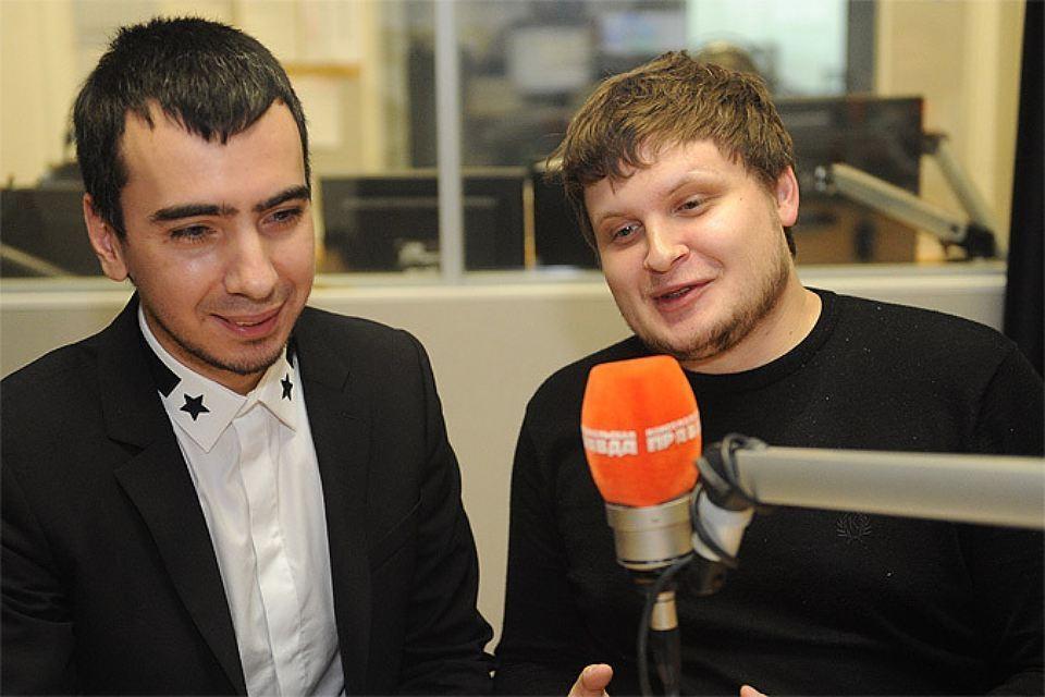 """Пранкеры Вован и Лексус в студии радио """"Комсомольская правда""""."""