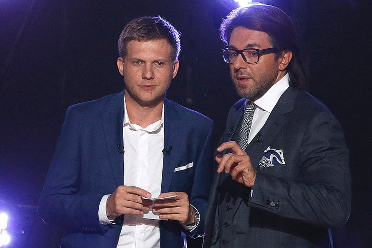 Борис Корчевников и Андрей Малахов перед началом съемок.
