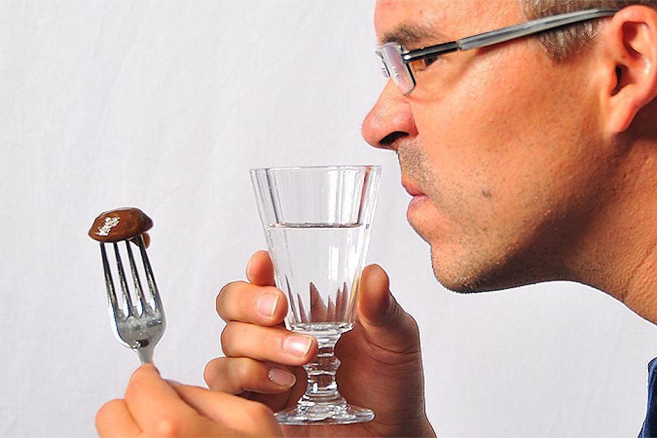 Паленая водка или нет хорошо бы знать до ее употребления.