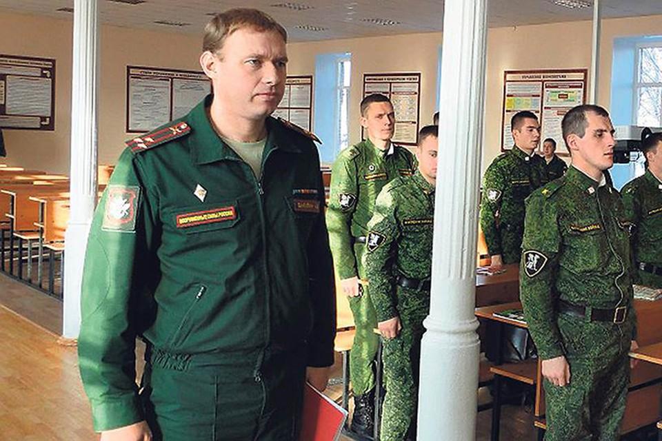 Полковнику Александру Вакулину вменяют получение «на лапу» 368 млн рублей. Фото: vamto.net