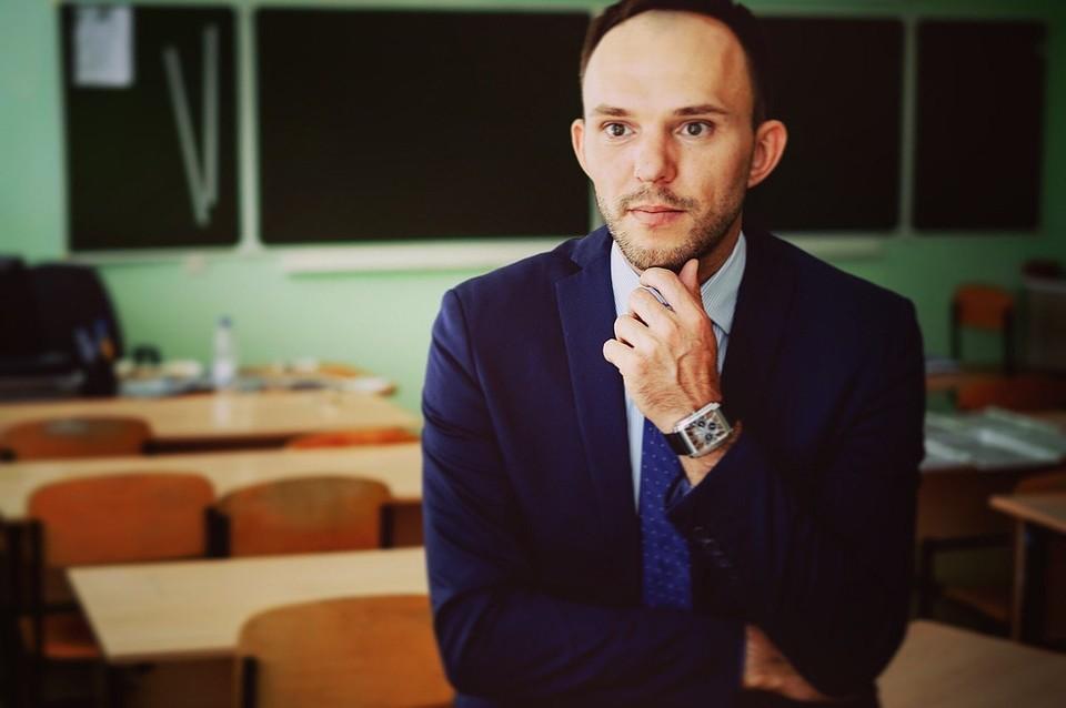 Владимир Пономаренко считает, что каждый урок - это театральная постановка