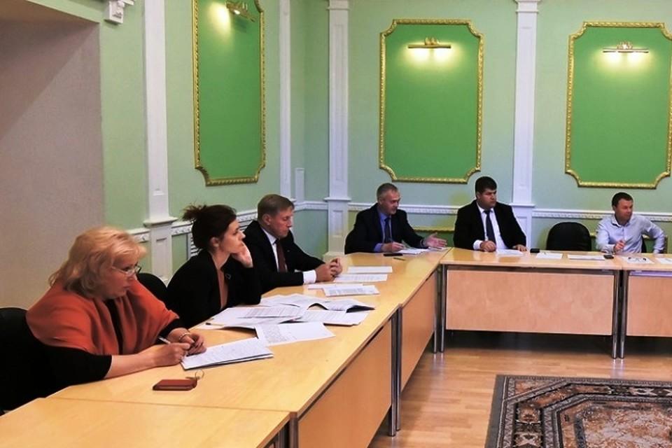 Виктор Гринкевич на заседании рабочей группы, созванной по просьбе частных пассажирских перевозчиков