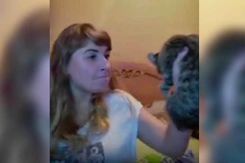 Gfhty издевается над девушкой видео