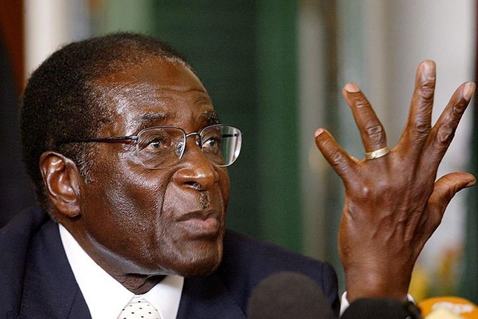 Сегодня вечером парламент страны проголосовал за объявление 93-летнему Роберту Мугабе импичмента