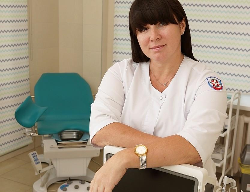 zhenat-na-prieme-u-ginekologa-video